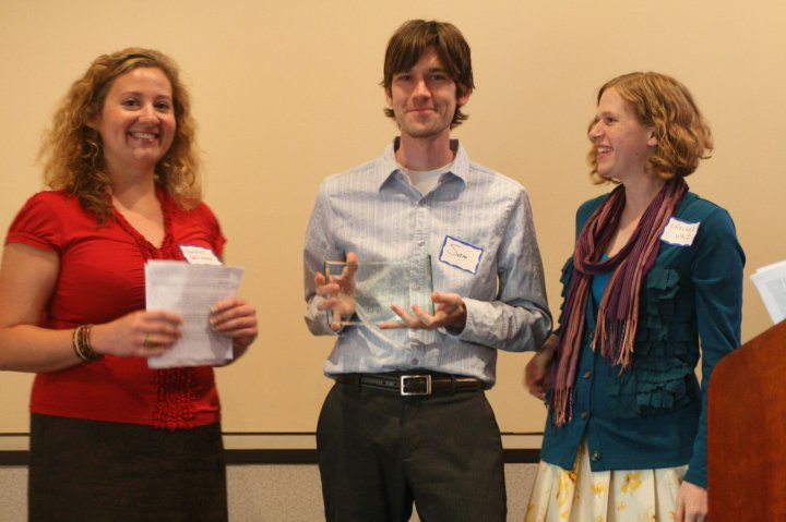 Christine Dell'Amore and Chelsea Wald present Sam Kean with the very first DCSWA Newsbrief Award in 2009.
